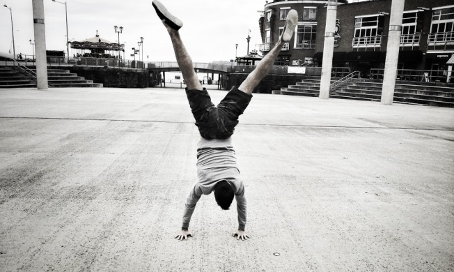 Handstand Luke